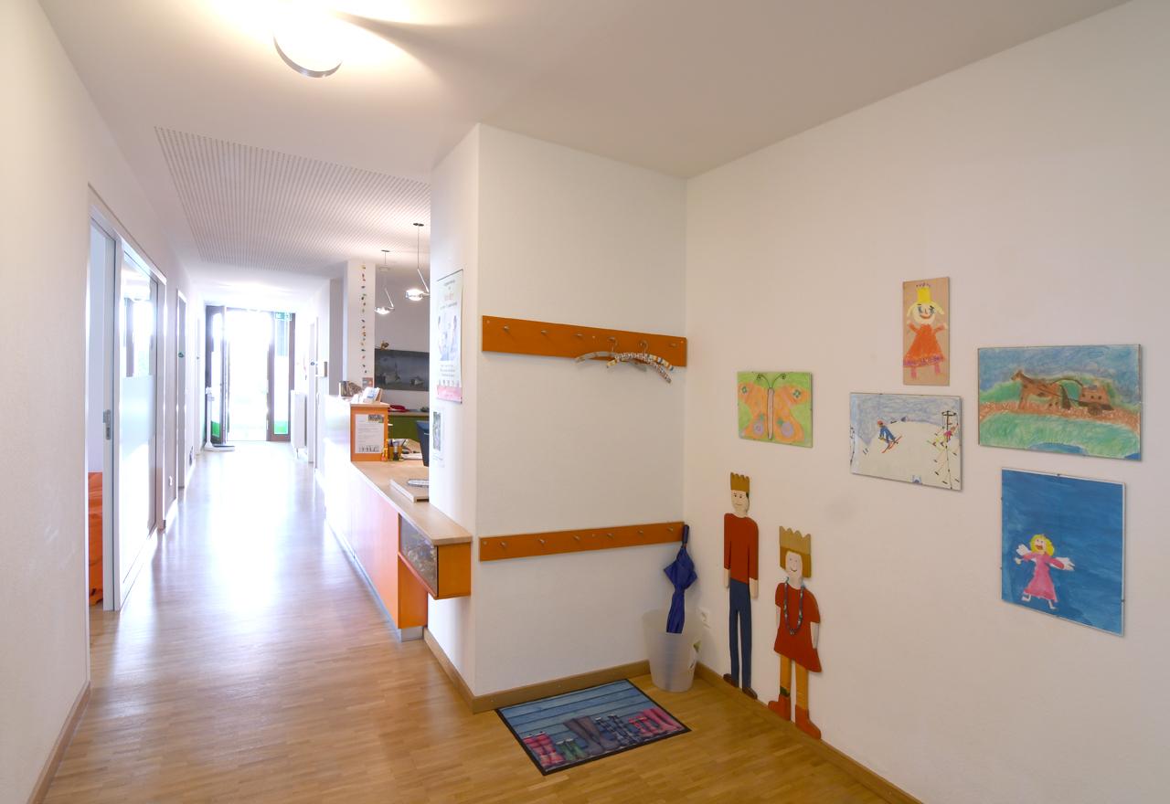 Bildergalerie Praxis (nicht löschen) - Eingang Flur Praxis Dr. Hofmeister