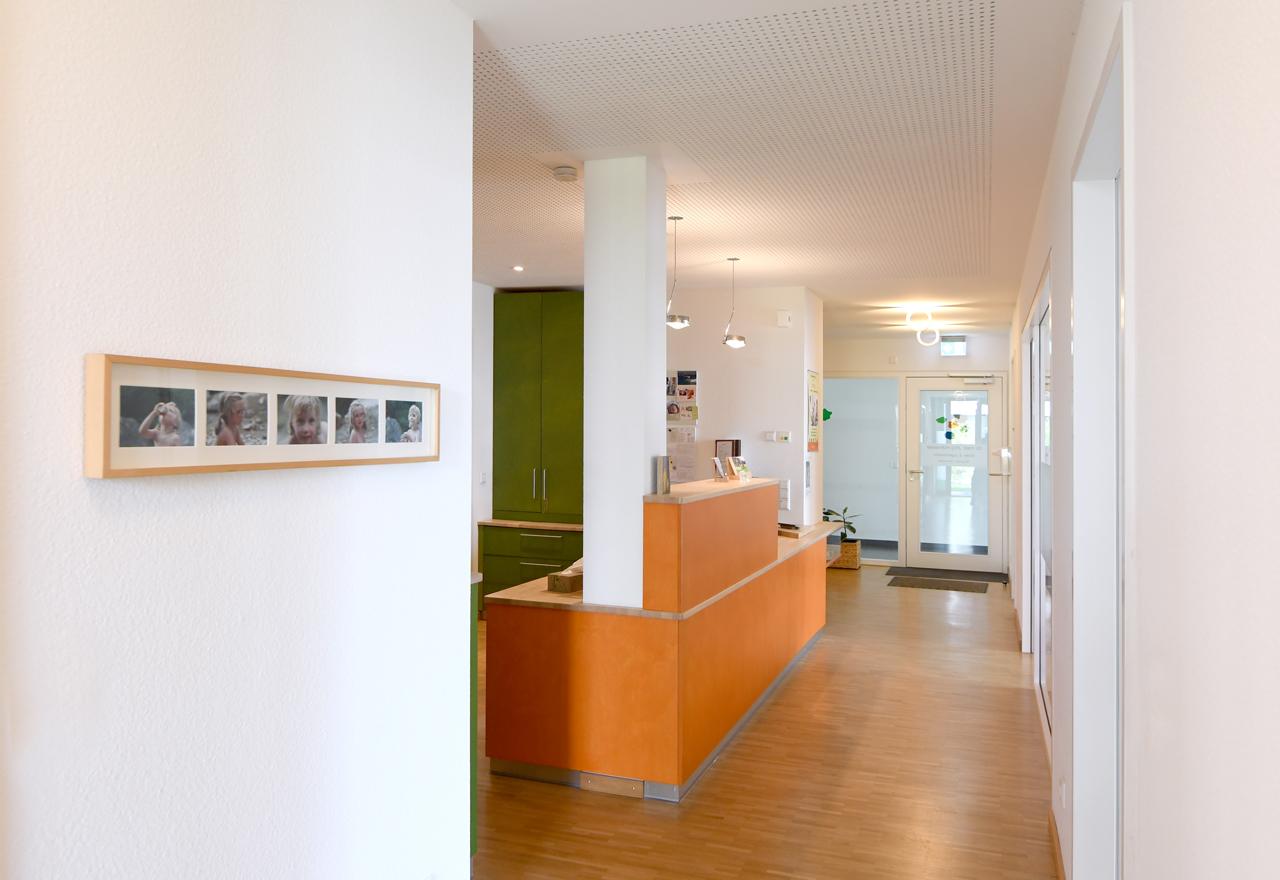 Bildergalerie Praxis (nicht löschen) - Empfang Theke Praxis Dr. Hofmeister