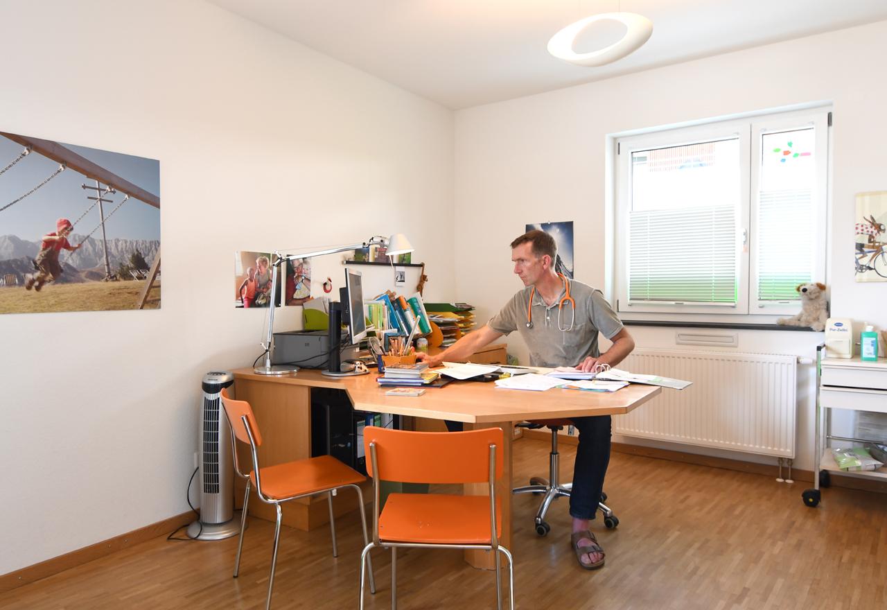 Bildergalerie Praxis (nicht löschen) - Behandlungsraum Praxis Dr. Hofmeister